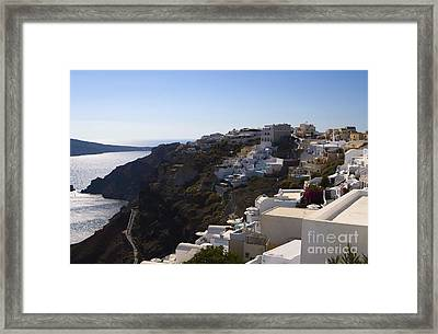 Framed Print featuring the photograph Cliff Side by Leslie Leda