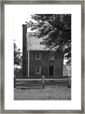 Clover Hill Tavern Guesthouse Bw Framed Print by Teresa Mucha