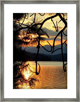 Framed Print featuring the photograph Coeur D'alene Lake Sunset by Cindy Wright