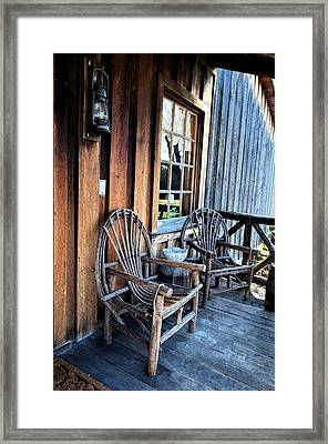 Come And Sit A While Framed Print by Sandi OReilly