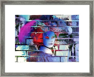 Contour Profilo Framed Print