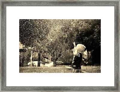 Cooling Off Framed Print by Daniel Morgan