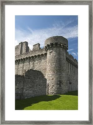 Craigmillar Castle II Framed Print by Gloria & Richard Maschmeyer
