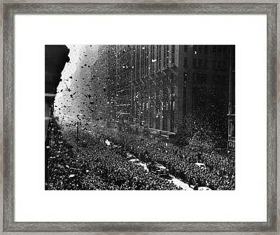 Crowds On Seventh Avenue In New York Framed Print by Everett