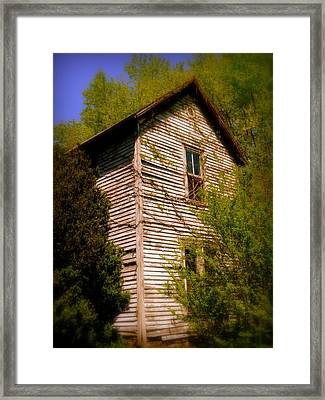Cumberland Two Story Framed Print by Cindy Wright