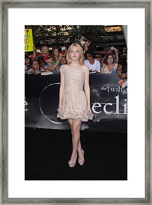 Dakota Fanning At Arrivals For The Framed Print by Everett