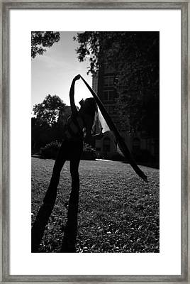 Dancing With The Sunset II - Philadelphia - Pensilvania - Sunset Framed Print by Lee Dos Santos