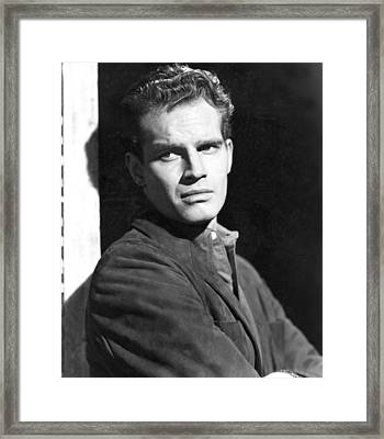 Dark City, Charlton Heston, 1950 Framed Print by Everett