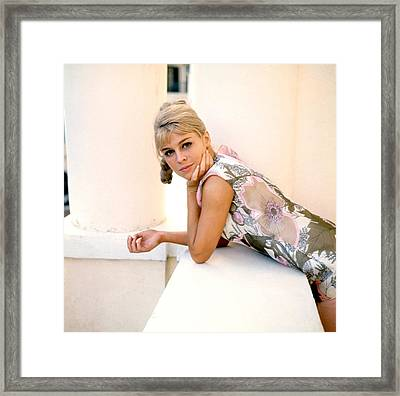 Darling, Julie Christie, 1965 Framed Print by Everett