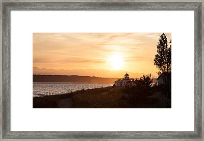 Days End At Discovery Lighthouse Framed Print by Mike Reid
