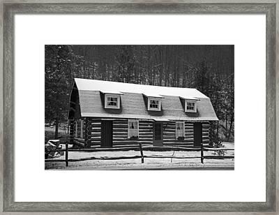 Days Of Yore Log Cabin Framed Print by John Stephens