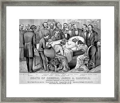 Death Of Garfield, 1881 Framed Print by Photo Researchers