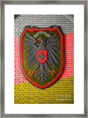 Deutsch Weimarer Shield Framed Print