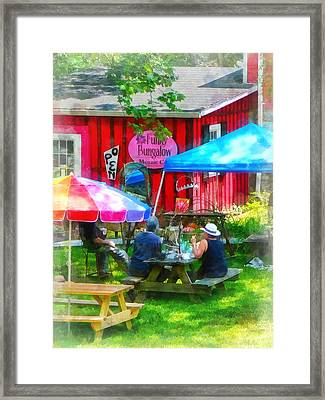 Dining Al Fresco Framed Print by Susan Savad