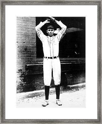 Dizzy Dean (1911-1974) Framed Print by Granger