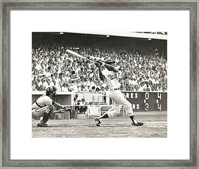 Dodger Willie Davis Batting At Dodger Stadium  Framed Print