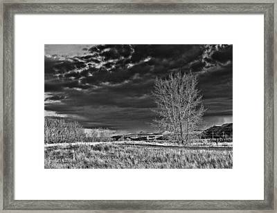 Drumheller Valley In Black And White Framed Print by Jim Justinick