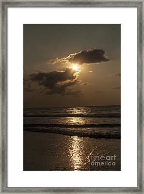 East Coast Sunrise Framed Print by Darleen Stry