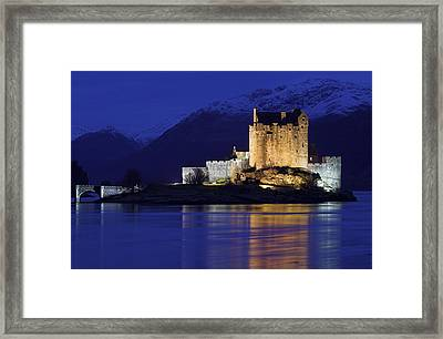 Eilean Donan Castle Framed Print by Duncan Shaw