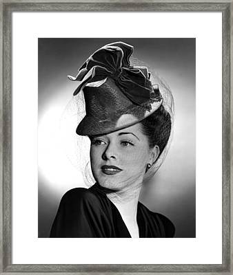 Eleanor Parker Wearing A Tall Crowned Framed Print by Everett