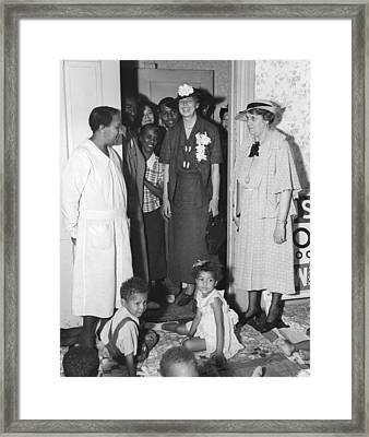 Eleanor Roosevelt Visiting A Wpa Works Framed Print by Everett