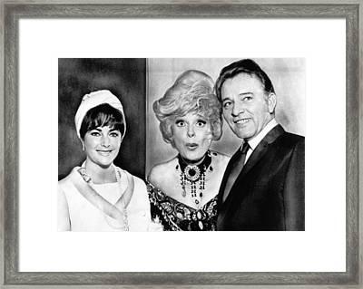 Elizabeth Taylor, Richard Burton Framed Print by Everett
