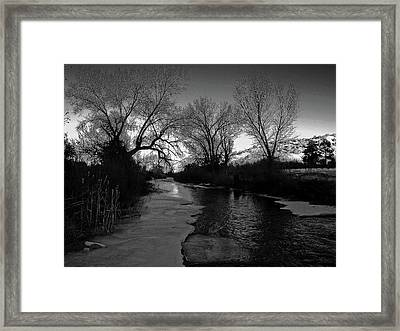 Embudo Moon Framed Print