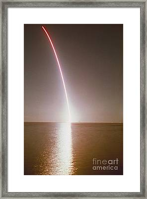 Endeavor Lift-off Framed Print by Erich Schrempp and Photo Researchers