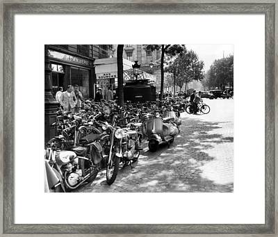Ev1980 -street Scene In Paris, August Framed Print by Everett