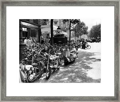 Ev1980 -street Scene In Paris, August Framed Print by Everett