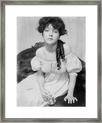 Evelyn Nesbit, Chorus Girl And Model Framed Print by Everett