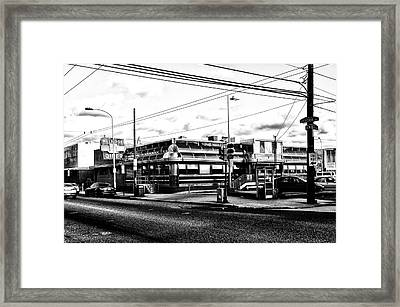 Everybody Goes To Melrose - The Melrose Diner - Philadelphia Framed Print by Bill Cannon