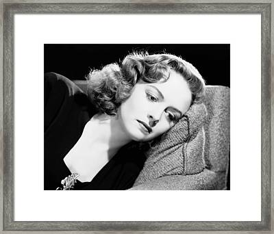 Eyes In The Night, Donna Reed, 1942 Framed Print by Everett