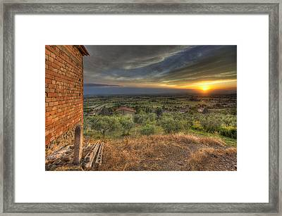 Farmhouse In The Valley Framed Print by Al Hurley