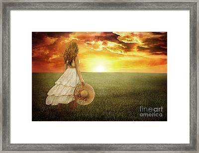 Fire In The Sky Framed Print by Cindy Singleton