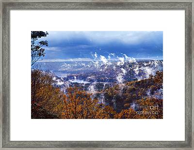 Fog Over The Barkhamsted Reservoir Framed Print by HD Connelly