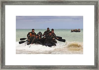 Force Reconnaissance Marines Paddle Framed Print by Stocktrek Images