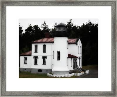 Fort Casey Lighthouse Framed Print by Lee Yang