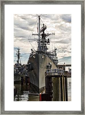 Forward Bow Framed Print by Peter Chilelli