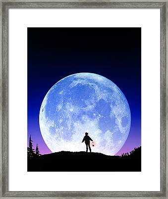 Full Moon Rising Framed Print by David Nunuk