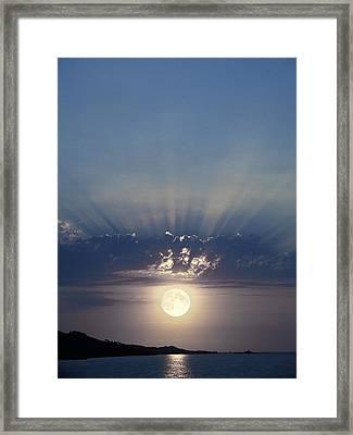 Full Moon Rising Framed Print by Detlev Van Ravenswaay