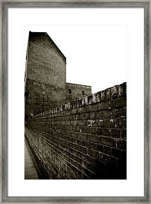 Gallery Waitng Framed Print by Jez C Self