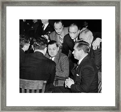 George Bugs Moran On Trial For Forgery Framed Print by Everett