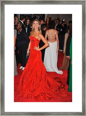 Gisele Bundchen Wearing An Alexander Framed Print by Everett