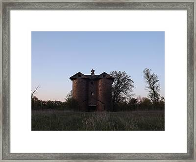 Framed Print featuring the photograph Grand Old Silo by Gerald Strine