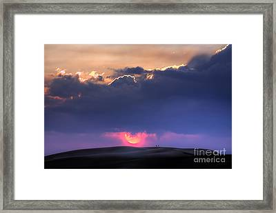 Great Sand Dunes Sunset With Lovers Walking Framed Print