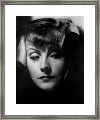Greta Garbo, 1939, Photograph Framed Print by Everett