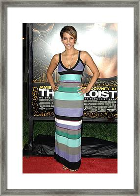 Halle Berry At Arrivals For The Soloist Framed Print by Everett