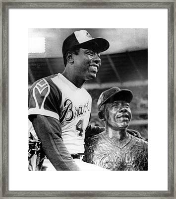 Hank Aaron Poses With Bust Of Himself Framed Print