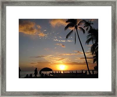 Hawaiian Sunset Framed Print by Yula Sander